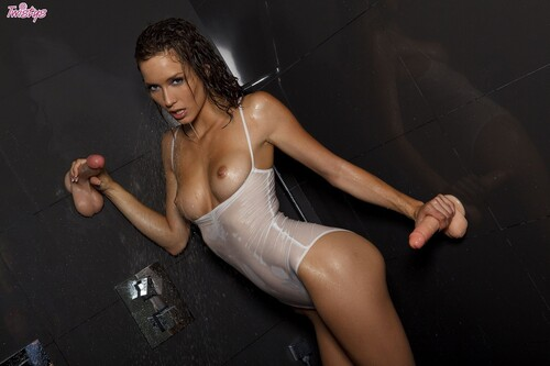 Malena Morgan - I Don't Sing In The Shower