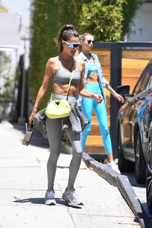 attractive babe Alessandra Ambrosio in yogapants