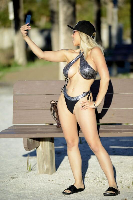 blonde hottie Bella Bunnie Amor in candid bikini