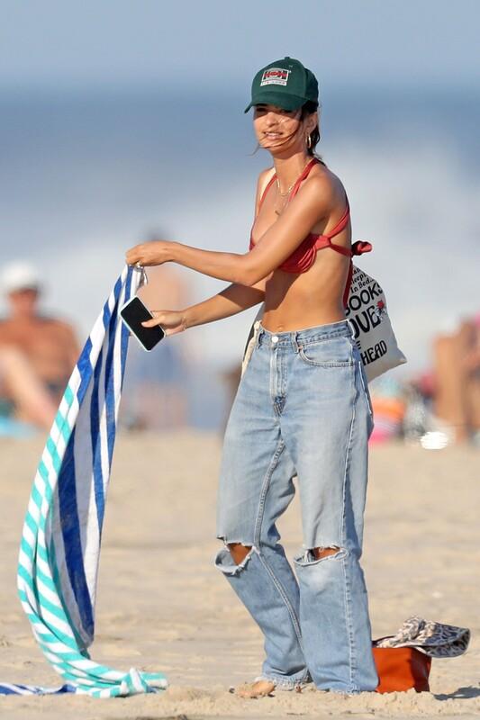 lovely model babe Emily Ratajkowski in jeans & sexy bikini