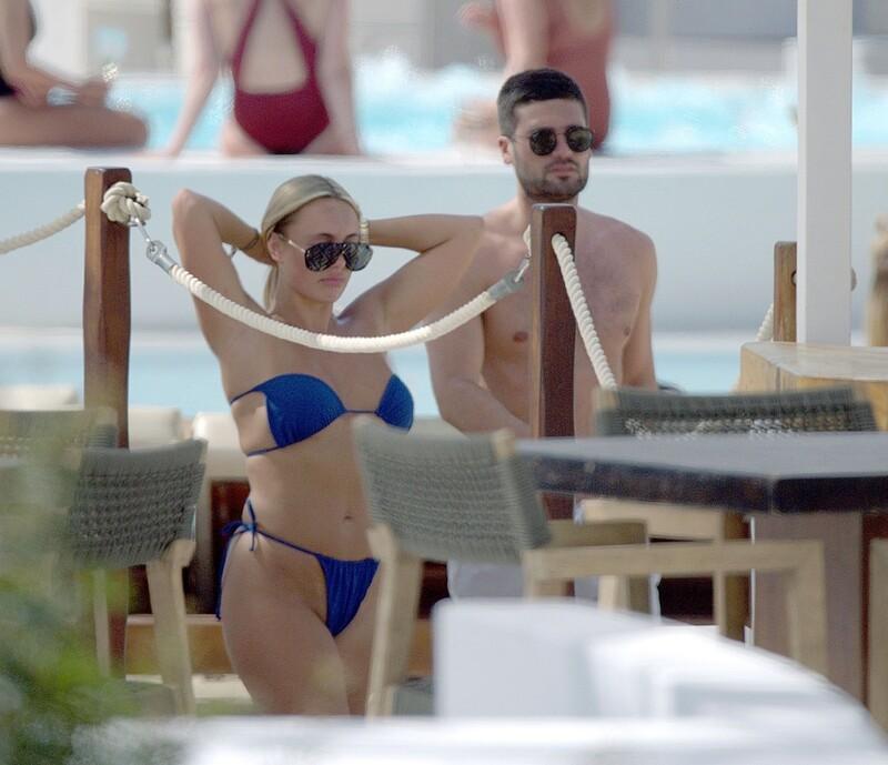 blonde hottie Amber Turner in blue bikini