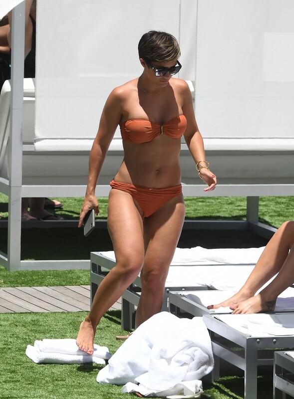 british milf Frankie Bridge in peach bikini