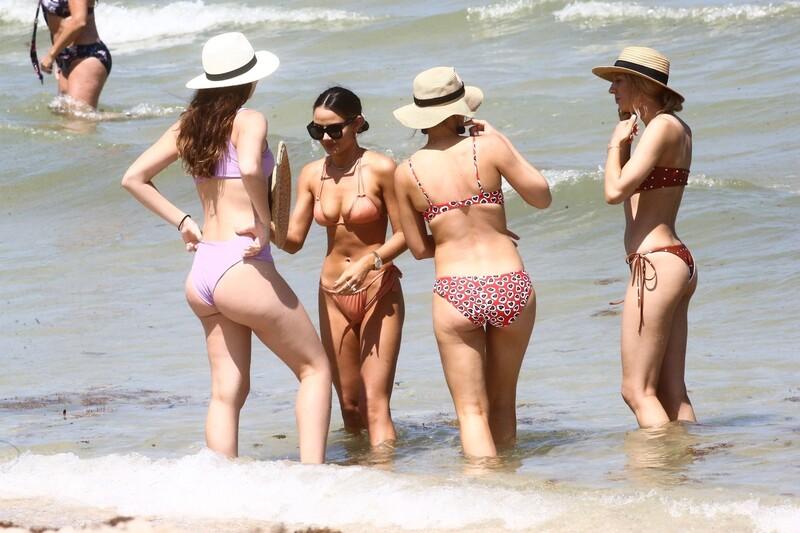 sweet model girl Keleigh Sperry beach voyeur pictures