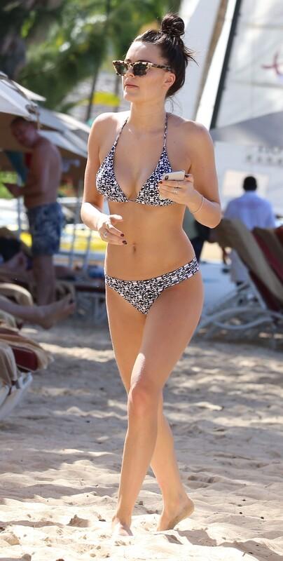 delicious babe Emily Blackwell in kinky bikini
