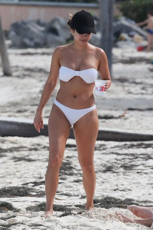 2 hot girls Danielle Lombard & Aussie Jessica Cribbon naughty beach album