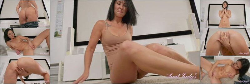 Eva - Strips Out of Her Jeans and Masturbates (FullHD)