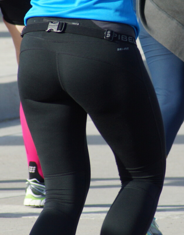 jogger babe in black sexy leggings