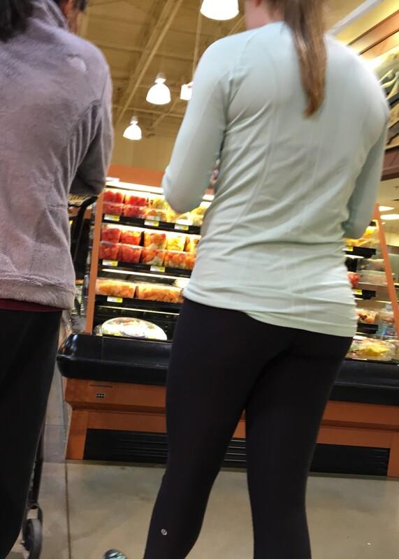 supermarket babe in tight black leggings